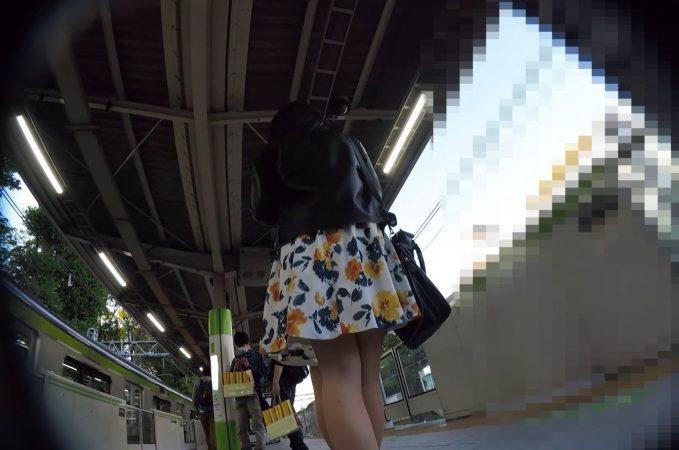 【HD顔出し023】私服JKの大胆ポーズをパンチラ撮影。10 - コピー