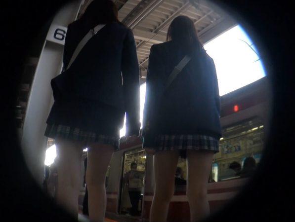 大興奮!!ミニスカJK vol32 空前絶後の大興奮アングル!!01 - コピー
