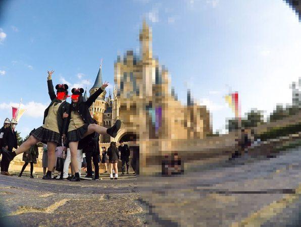 【顔出しJK8】夢の国② インスタ特定。城前で無邪気に写真撮ってるところの白P【声かけ】1 - コピー