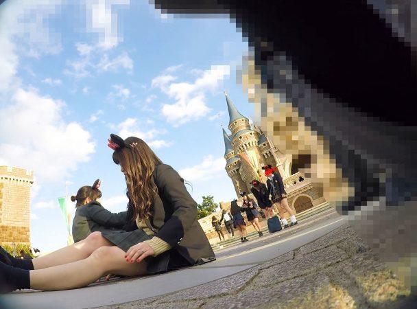 【顔出しJK8】夢の国② インスタ特定。城前で無邪気に写真撮ってるところの白P【声かけ】2 - コピー