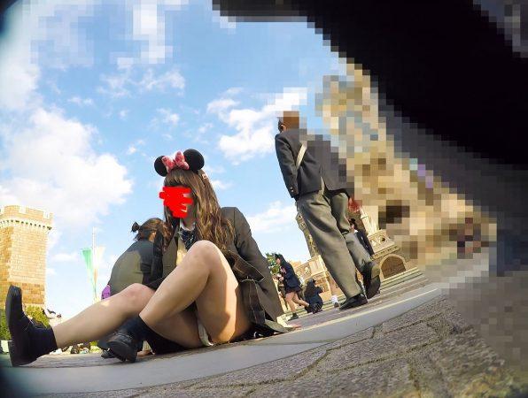 【顔出しJK8】夢の国② インスタ特定。城前で無邪気に写真撮ってるところの白P【声かけ】3 - コピー
