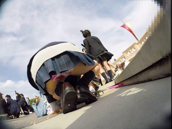 【顔出しJK10】夢の国③ インスタ映え命、茶髪JKのサテンピンクP。逆さに座り、声かけ…やりたい放題。【声かけ】15 - コピー