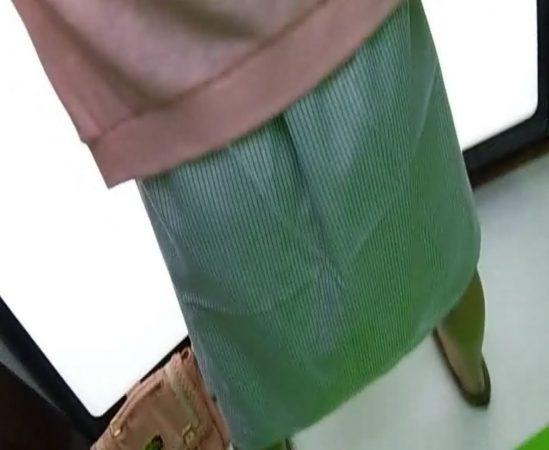 【パンティ丸見え!】ついに解禁!!奇跡の18才。超美少女お披露目3 - コピー