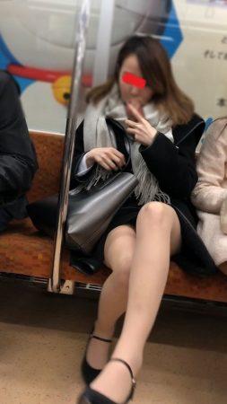 足組替えシリーズ5 短いスカートスーツ美人OL3
