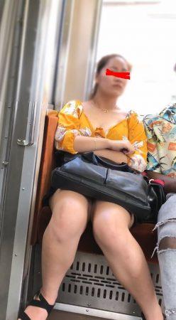 ☆鞄どけたら丸見えシリーズ1 露出高い服のお姉さま3