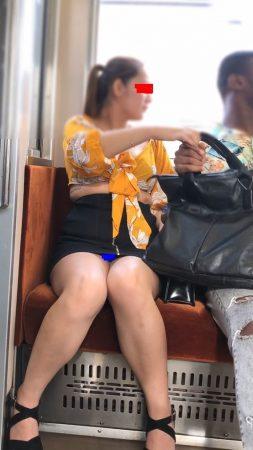 ☆鞄どけたら丸見えシリーズ1 露出高い服のお姉さま7