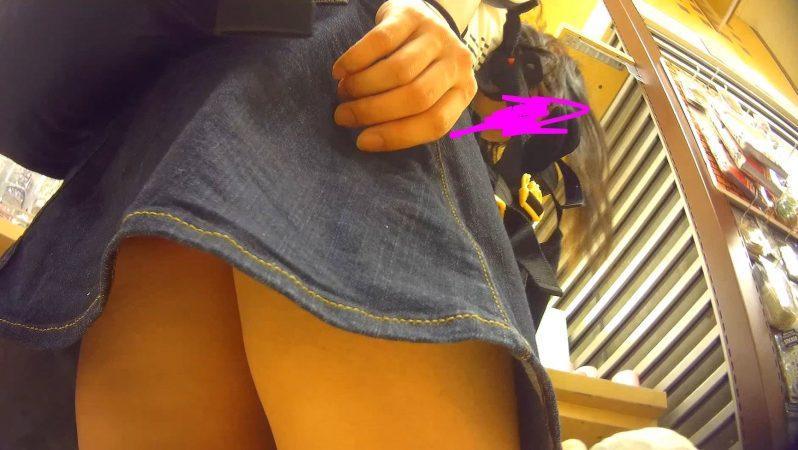 PcolleGcolleレビューコロコロ【羽付】子連れ人妻パンチラ逆さ撮り01-8
