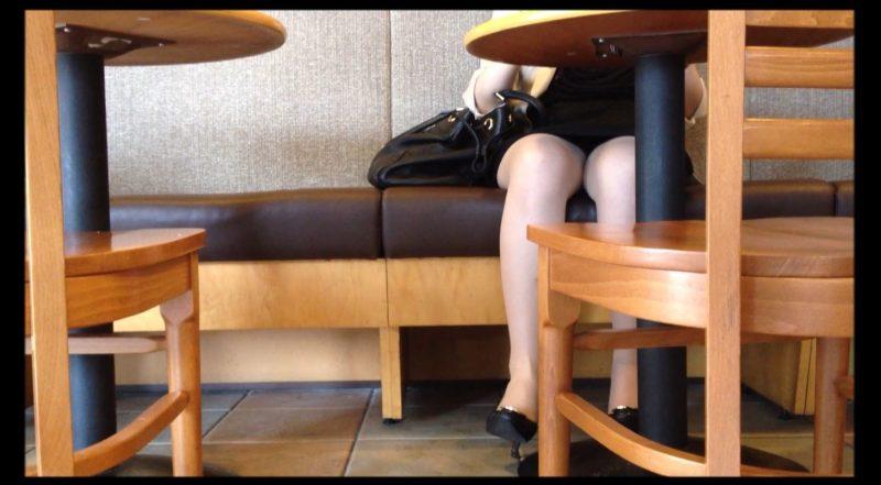 PcolleGcolleレビューOL_tokyoカフェで休憩中OLさんのパンチラ4