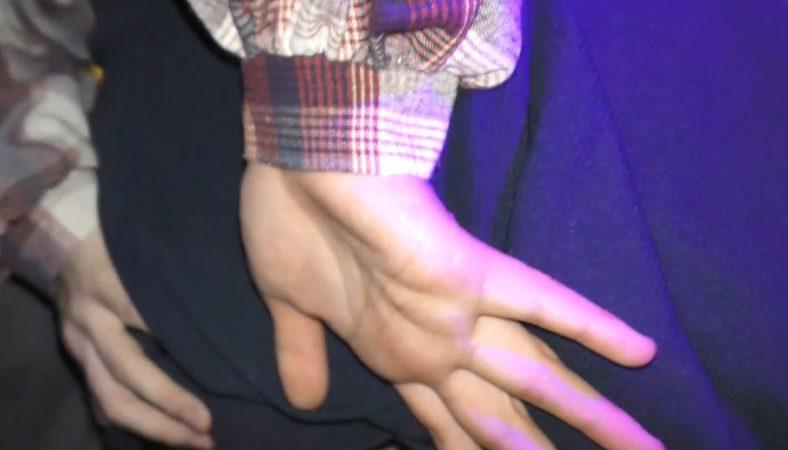 PcolleGcolleレビューどぶめたる[ライブハウス痴〇]ナイトイベントの甘め系バンギャ2人組×透けTバックにプリ尻をナマ揉みしまくって指マン[1人目][高画質]27