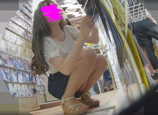 PcolleレビューGcolleわんぱく液座りでパンツまで撮られて睨みつけてくる女の子が最高に抜けるw13
