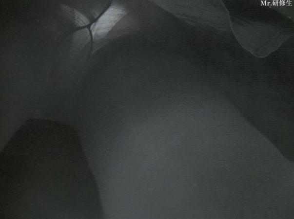 PcolleレビューGcolleMr研修生114 パン屋の店員さん03 白パンツ 黒スト 破れ-5