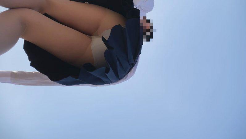 PcolleレビューGcolleパンチラたぴおか#17 夢の国@お城前でイチャイチャするJKのスカートの中見えっぱなし。撮影しながら声かけ36