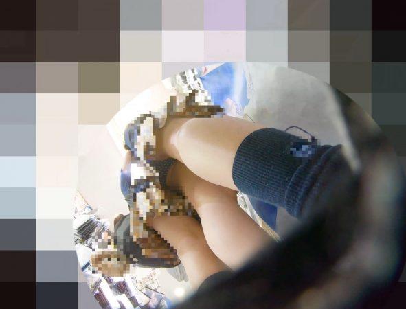 PcolleレビューGcolleパンチラわんぱく液【219販売停止】清楚可愛い色白細身JKのスカートを引っ張ってガッツリ逆さ撮りしたww【おまけ有4k】-8