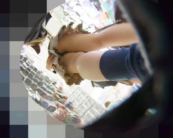 PcolleレビューGcolleパンチラわんぱく液【219販売停止】清楚可愛い色白細身JKのスカートを引っ張ってガッツリ逆さ撮りしたww【おまけ有4k】-15