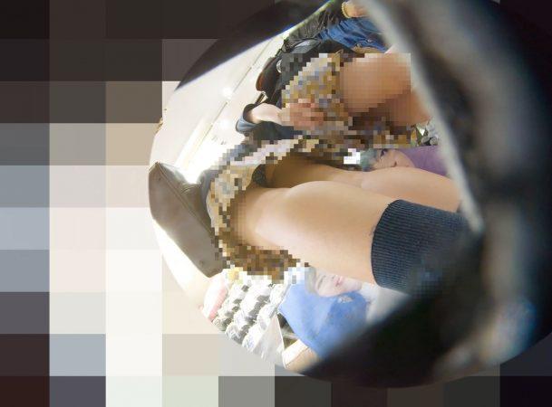 PcolleレビューGcolleパンチラわんぱく液【219販売停止】清楚可愛い色白細身JKのスカートを引っ張ってガッツリ逆さ撮りしたww【おまけ有4k】-3