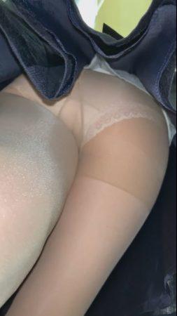 PcolleレビューGcolleパンチラダークナイト【永久保存版】美人OLの超エロい純白パンツをフラッシュで盗撮!顔出しあり!-7