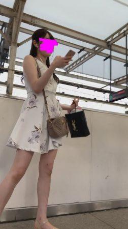 PcolleレビューGcolleパンチラダークナイト【美人女子大生】彼氏持ちの可愛いお姉さんのどエロい美脚とパンツを盗撮!顔出しあり!JD神-2