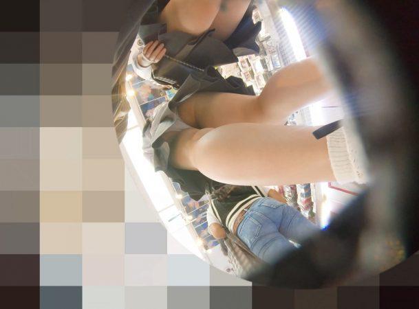 PcolleレビューGcolleパンチラわんぱく液【4k】都会のイマドキ可愛い色白細身JKのスカートを引っ張ってガッツリ逆さ撮りしたww-10