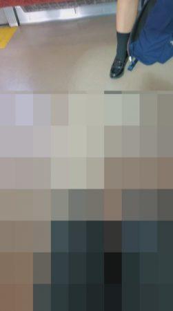 PcolleレビューGcolleパンチラとおりすがり(青チェ)ずっと見えてる制服JKパンツをスマホで(4K動画)-2