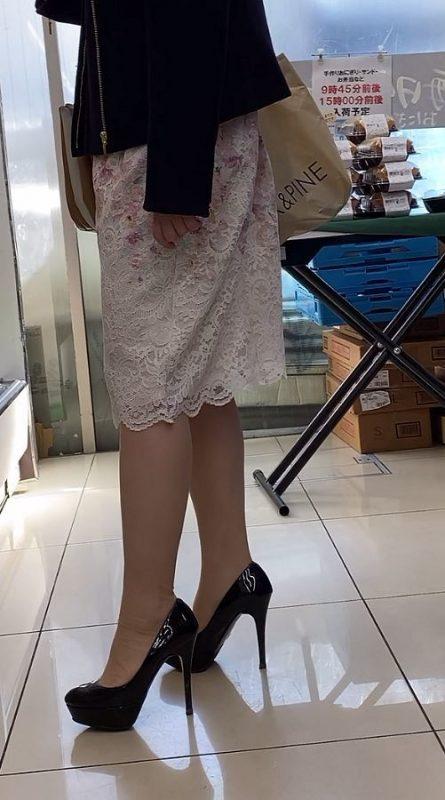 PcolleレビューGcolleパンチラstock3【美人女子大生】お姉さんのどエロいTバックと美脚を盗撮! JD神回-2