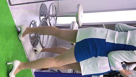 PcolleレビューgcolleパンチラSlow Woman【顔出】コンパニオン40☆美脚揃いの青白コスチューム!フェチシーンに大興奮^ ^-7