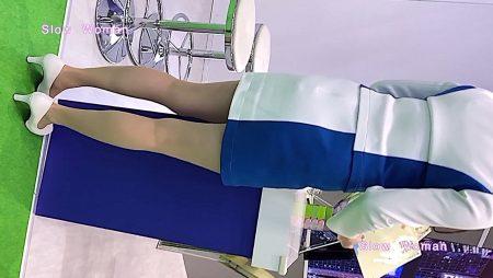PcolleレビューgcolleパンチラSlow Woman【顔出】コンパニオン40☆美脚揃いの青白コスチューム!フェチシーンに大興奮^ ^-1