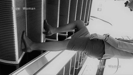 PcolleレビューGcolleパンチラSlow Woman【超絶品】魅惑のCAさんSP19☆エスカでの欲情ポーズに唖然!純白Pで大悶絶^ ^-7