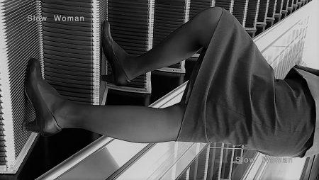 PcolleレビューGcolleパンチラSlow Woman【超絶品】魅惑のCAさんSP19☆エスカでの欲情ポーズに唖然!純白Pで大悶絶^ ^-3